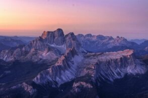 L'alba sulle Dolomiti: tra Marmolada e Tofana, un'esperienza che sconfina nella magia