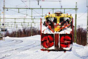 Binari ghiacciati: treno bloccato a Perarolo con 20 passeggeri a bordo