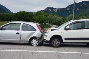 Incidente stradale: coinvolte due automobili, feriti i conducenti