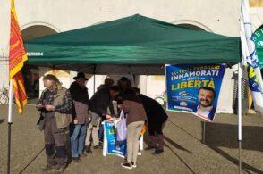 Lega in piazza con il gazebo: «Occasione di confronto con i cittadini»