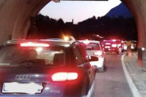 Domenica di bel tempo, code in Alemagna: più di un'ora per pochi chilometri