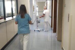 Pochi medici e infermieri, nonostante la pandemia: il Pd interroga