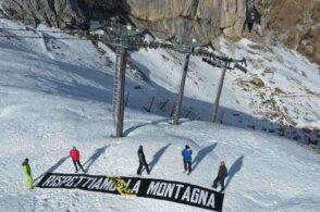 Flash mob in Marmolada: «Stop agli impianti di risalita, difendiamo la montagna»