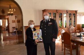 Prima copia del calendario 2021 carabinieri: omaggio alla Prefettura