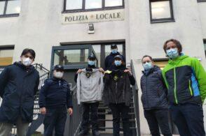 Giacche marchiate Karpos per i vigili urbani: il dono di Manifattura Valcismon