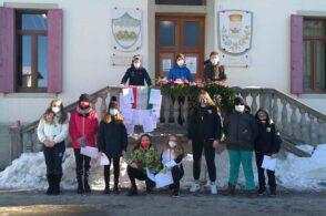 """""""Una bandiera e un canto"""": i ragazzi di Tambre ricordano i giovani partigiani"""