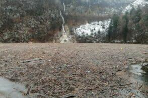 """Via i detriti dal lago. La Provincia avvia le """"pulizie di primavera"""""""