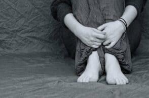 Foto senza veli: minorenne bellunese adescata sul web e minacciata