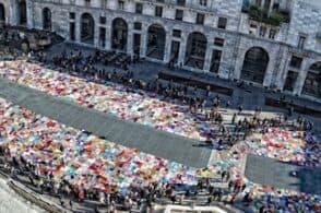 """Una grande coperta ai piedi delle Tre Cime: il """"no"""" alla violenza sulle donne"""