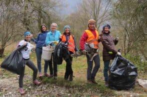 """""""No plastic girls"""": quando l'amicizia si intreccia alla cura per l'ambiente"""