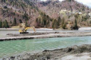Tempi rispettati, entro l'anno conclusa la pulizia del lago